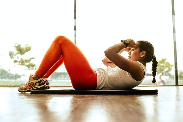 4 typer træningsudstyr der holder dig i gang henover sommeren