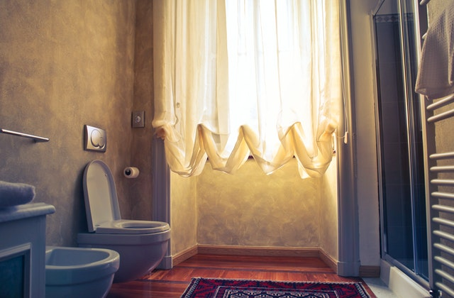 Montering af væghængt toilet - Sådan beregner du pris
