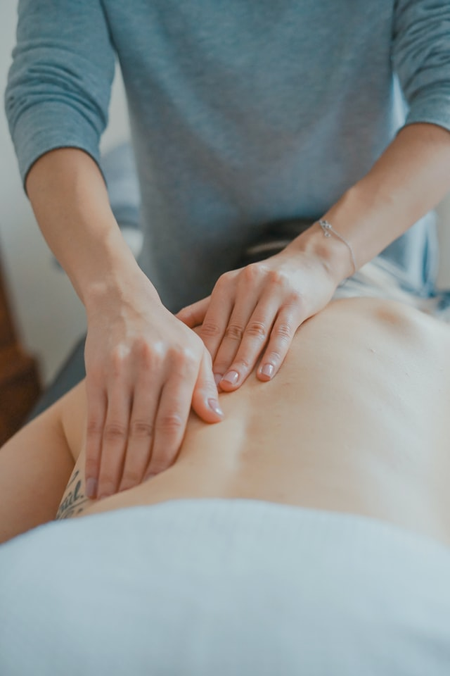 Gigalaser er blevet en populær behandling hos fysioterapeuter i København